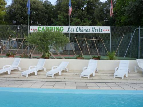 Camping Les Chênes Verts - Camping - Meschers-sur-Gironde