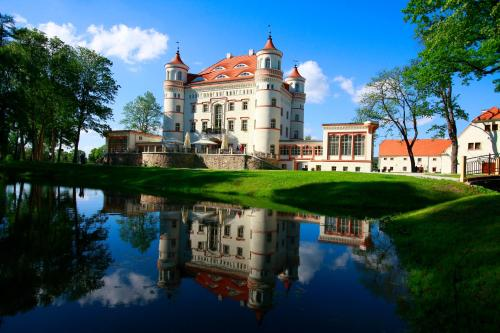. Pałac Wojanów