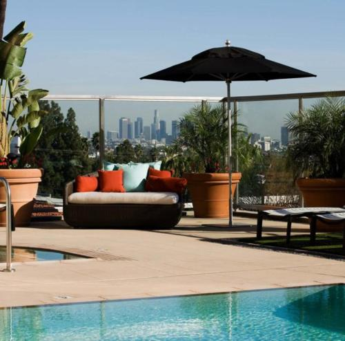 Sunset Strip 1-Bedroom with Balcony Pool and Views - Los Angeles, CA 90046