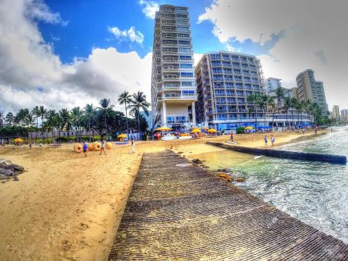 Waikiki Shore 515 Beachfront & Upgrade - Honolulu, HI 96815