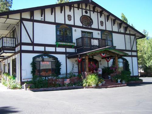 Black Forest Lodge - Accommodation - Big Bear Lake