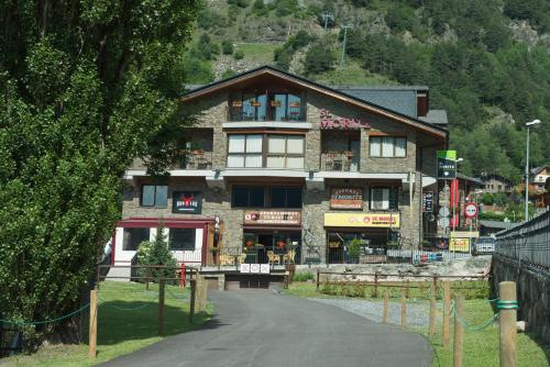 Apartaments Sant Moritz Arinsal
