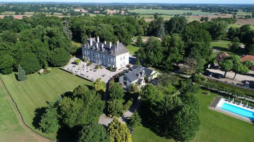 __{offers.Best_flights}__ Château d'Ygrande - les Collectionneurs