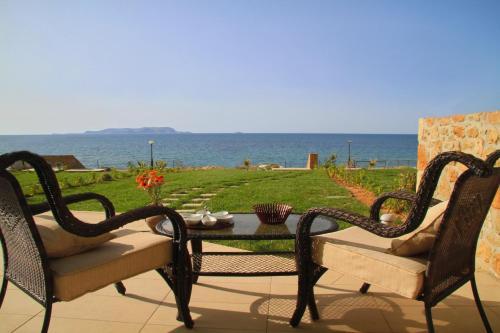 . Sea View Beachfront Villa Maria