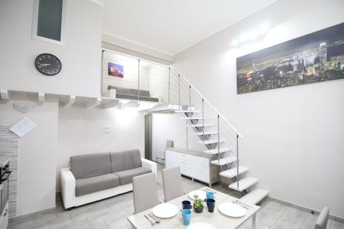. Modern Loft Apartment