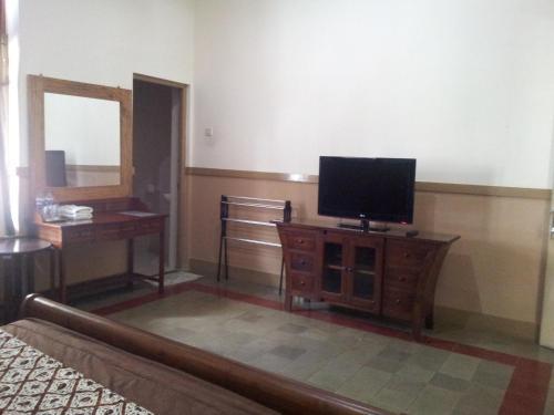 Ndalem Suratin Guesthouse