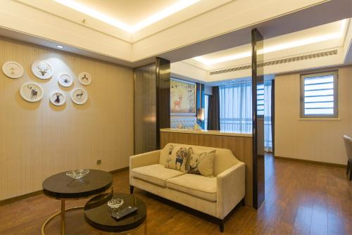 Theme Double Room with City View