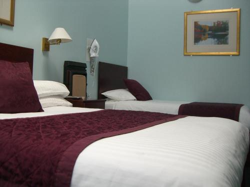 Photo - Kings Paget Hotel