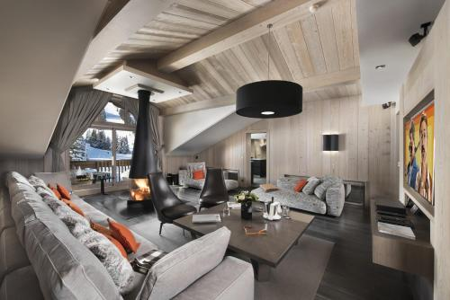 BP N°1 rue de l'Eglise, 73120 Courchevel 1850, France.