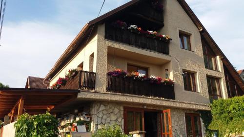 . Apartments Sharka