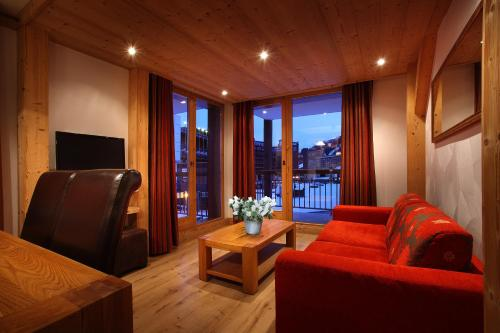 One-Bedroom Apartment with Cabin Comfort (4-6 Persons)