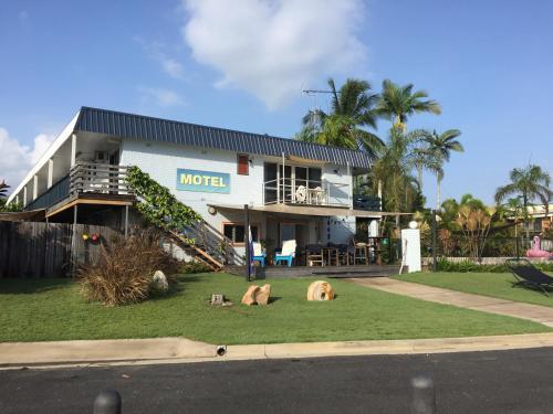 . Cardwell Beachfront Motel