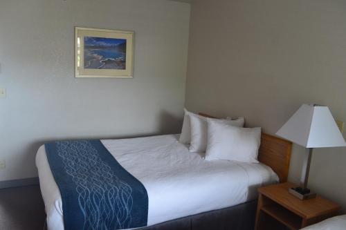 Absaroka Lodge - Gardiner, MT 59030