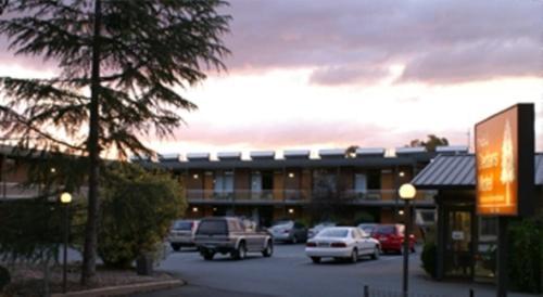 Hotel Red Cedars Motel