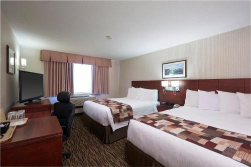 Capital Hotel - Photo 5 of 28
