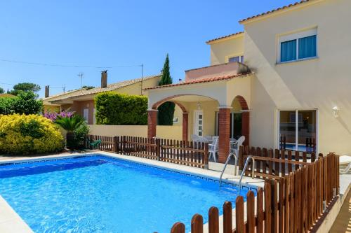 Hotel Costabravaforrent Ricardell thumb-1