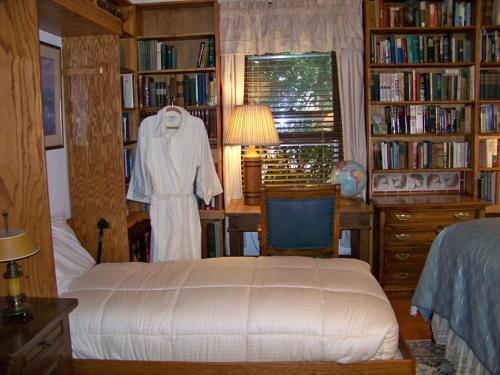 Best Kept Secret B & B (bed & Bath) - Glenwood Springs, CO 81601
