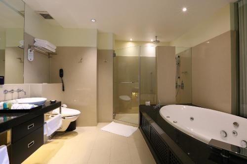Siri Sathorn Hotel photo 52