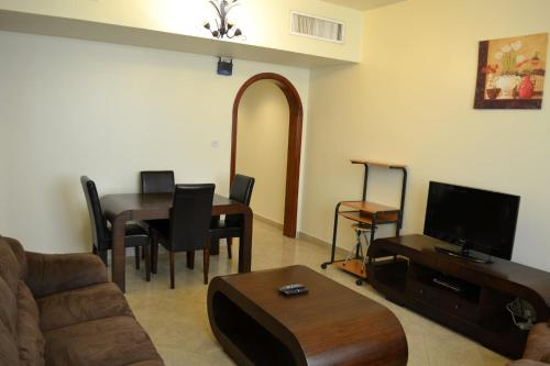 Abu Dhabi Plaza Hotel Apartments photo 26