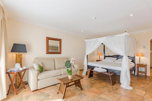 Junior Suite with Sea View - single occupancy La Posada del Mar 44