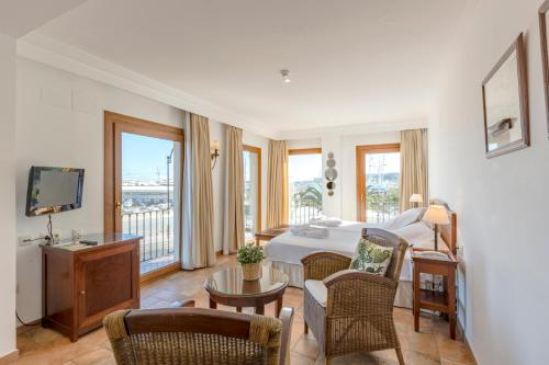 Junior Suite with Sea View - single occupancy La Posada del Mar 11