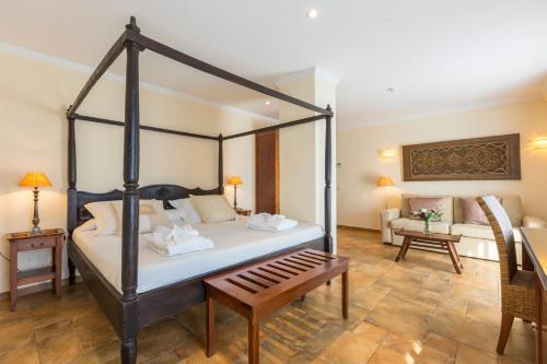 Junior Suite with Terrace - single occupancy La Posada del Mar 13