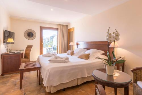 Double or Twin Room with Sea View - single occupancy La Posada del Mar 33