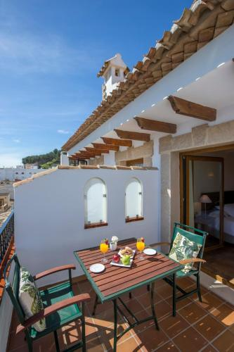 Junior Suite with Terrace - single occupancy La Posada del Mar 14