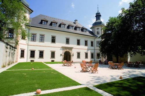 Kasteel-overnachting met je hond in JUFA Hotel Schloss Röthelstein - Admont