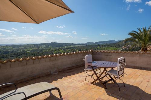Suite mit Terrasse Finca Hotel Es Castell 5