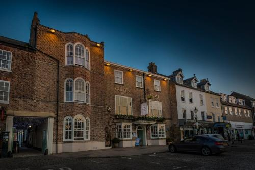 The Golden Fleece Hotel, Thirsk, North Yorkshire - Photo 6 of 96