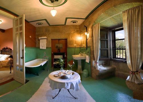 Superior Double Room Pazo de Bentraces 7