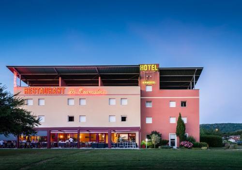 . Hotel Ambotel