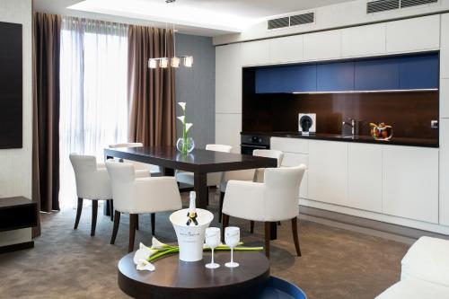 Viko Boutique Apart Hotel - Photo 8 of 75