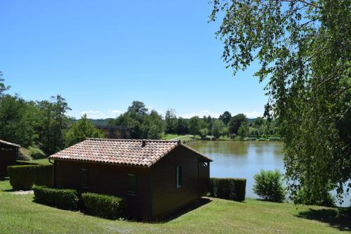 . Camping - Village Vacances du Lac