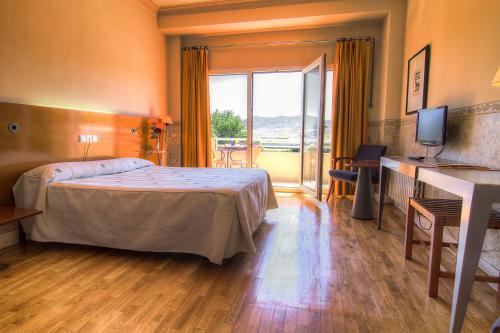 . Hotel Azar