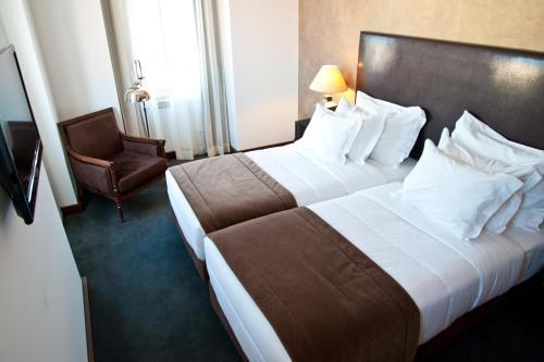 Lisboa Carmo Hotel photo 4