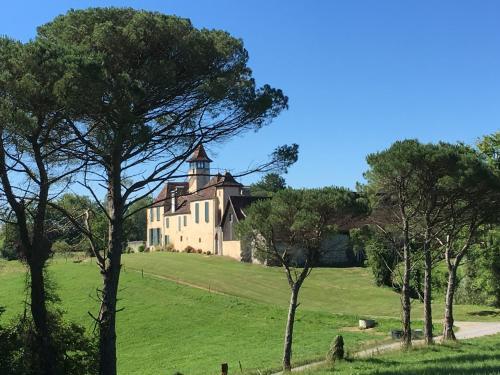 Château de Baylac - Accommodation - Bugnein