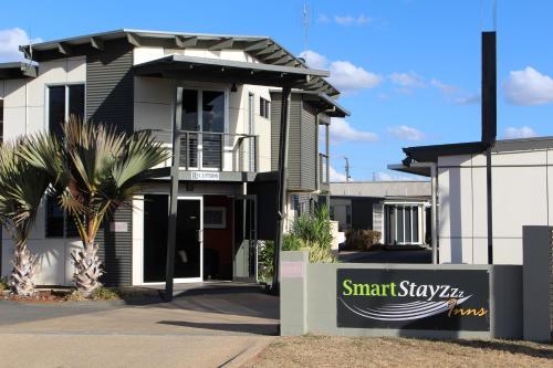 Фото отеля Smart Stayzzz Inns
