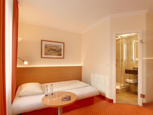 Hotel Kriemhild am Hirschgarten photo 6