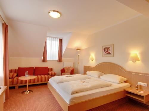 Hotel Kriemhild am Hirschgarten photo 15