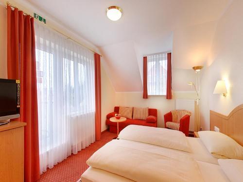 Hotel Kriemhild am Hirschgarten photo 16