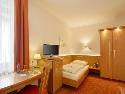 Hotel Kriemhild am Hirschgarten photo 64