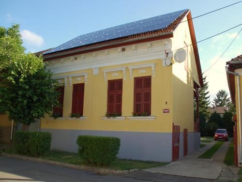 Jakus Ház, Pension in Nagymaros