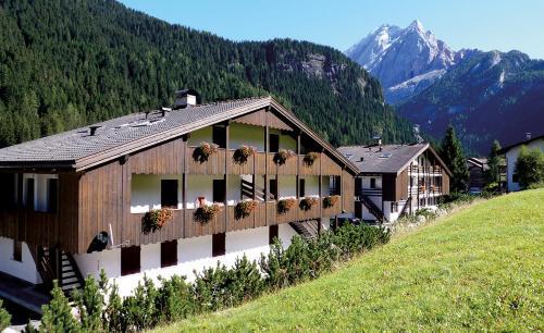 Residence Casa Canazei 1119471 Canazei