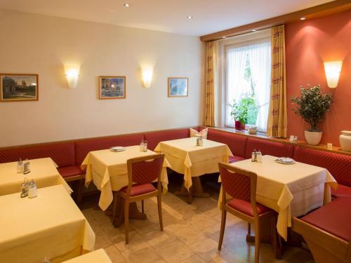 Hotel Kriemhild am Hirschgarten photo 70