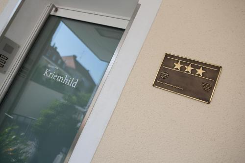 Hotel Kriemhild am Hirschgarten photo 76