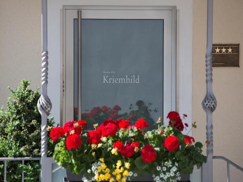 Hotel Kriemhild am Hirschgarten photo 33