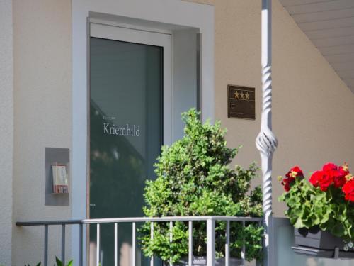 Hotel Kriemhild am Hirschgarten photo 78