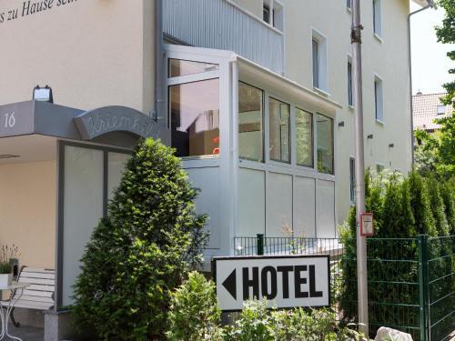 Hotel Kriemhild am Hirschgarten photo 35